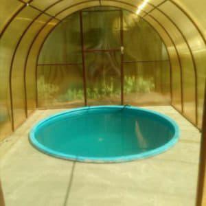 Готовый бассейн из полипропилена после монтажа